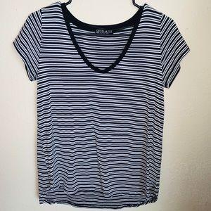 Black & White Striped V Neck Small